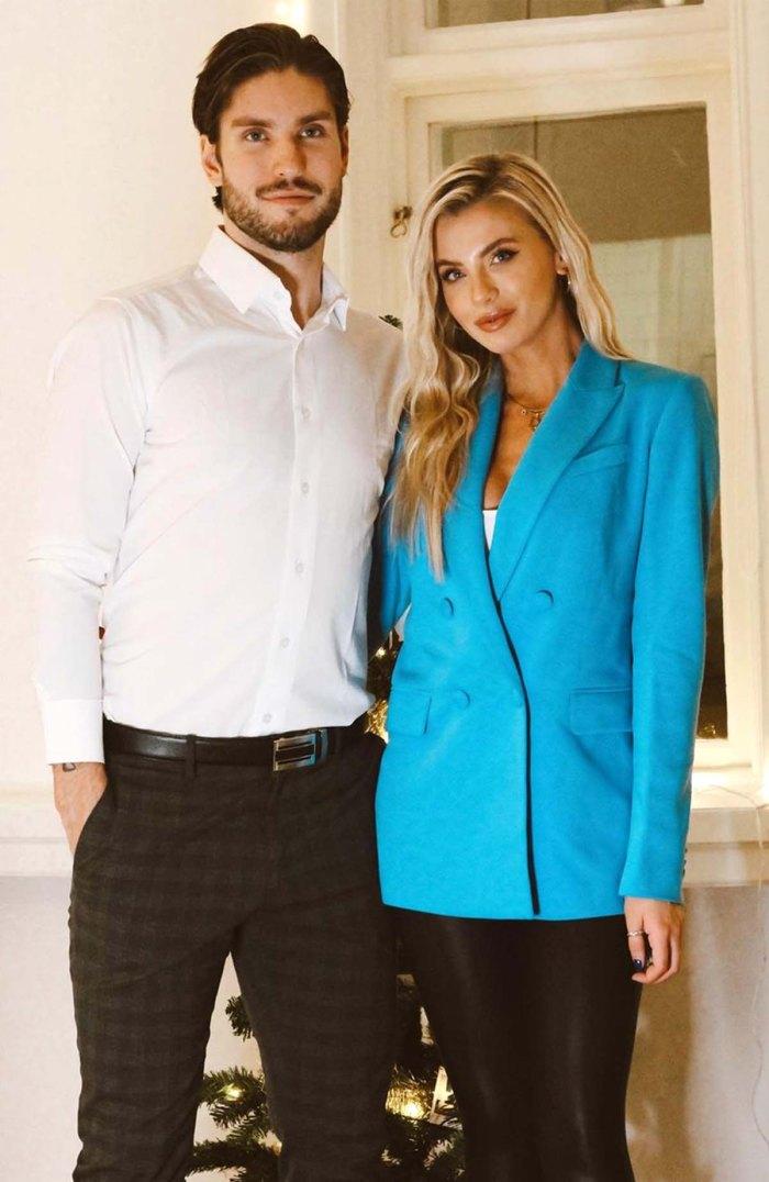 Solteros Hayley Fergusson está comprometida con la estrella del hockey Oula Palve