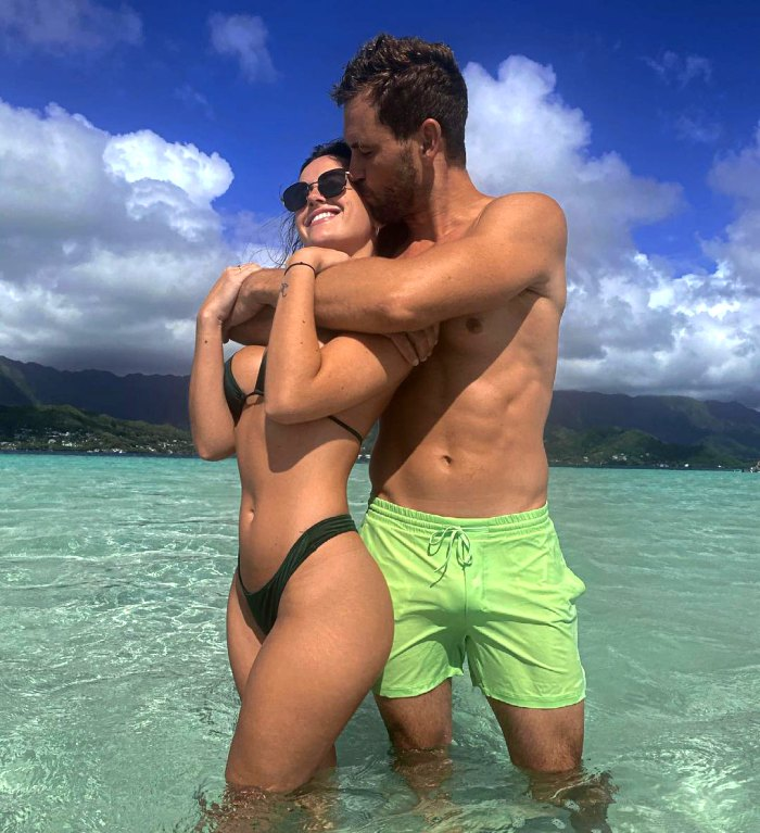Bachelor's Nick Viall Jets Off on Tropical Vacation With Girlfriend Natalie Joy