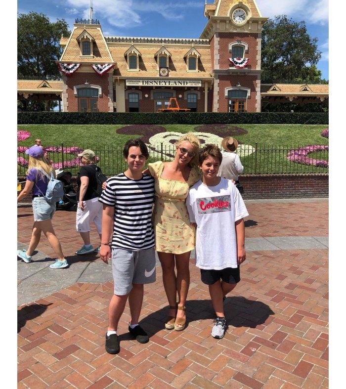 Britney Spears reflexiona sobre tener hijos con Kevin Federline Very Young 3