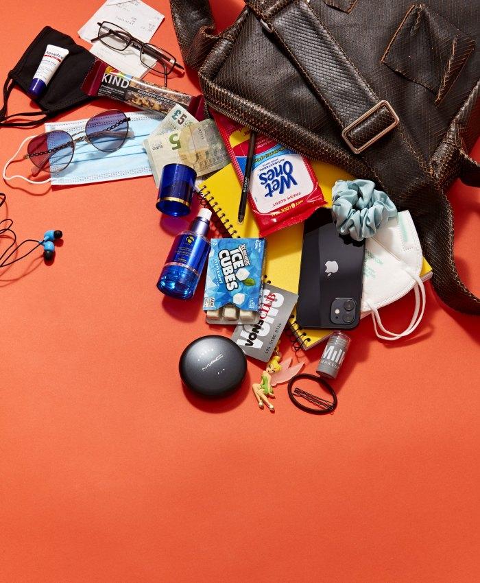 Gina Torres ¿Qué hay en mi bolso?