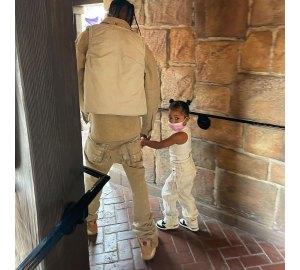Inside Kylie Jenner and Travis Scott Disneyland Trip With Daughter Stormi 4