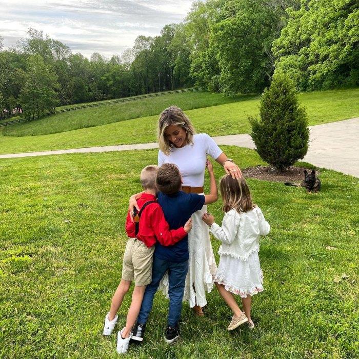 Jay Cutler publica una foto rara de sus 3 hijos y de Kristin Cavallari mientras la celebra en el Día de la Madre