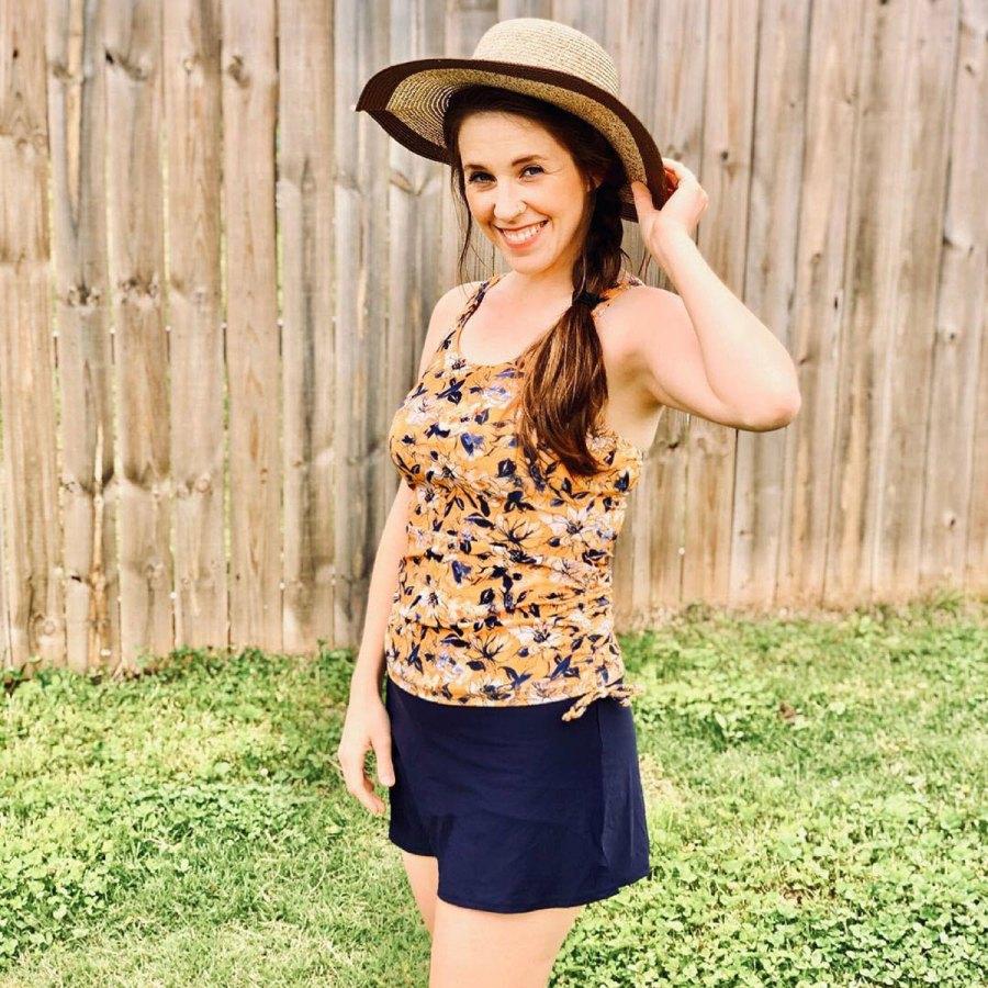 Jill Duggar Poses Swimwear Summer Approaches