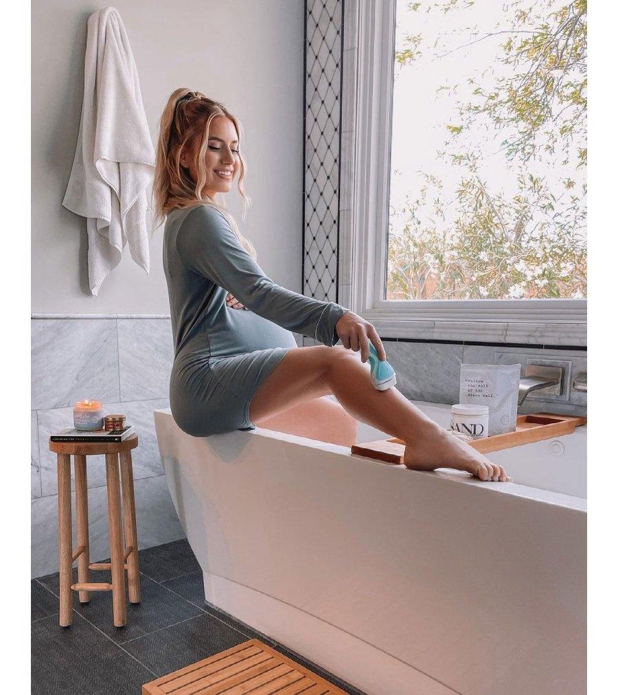 Lauren Burnham Luyendyk Shaving Legs Pregnant