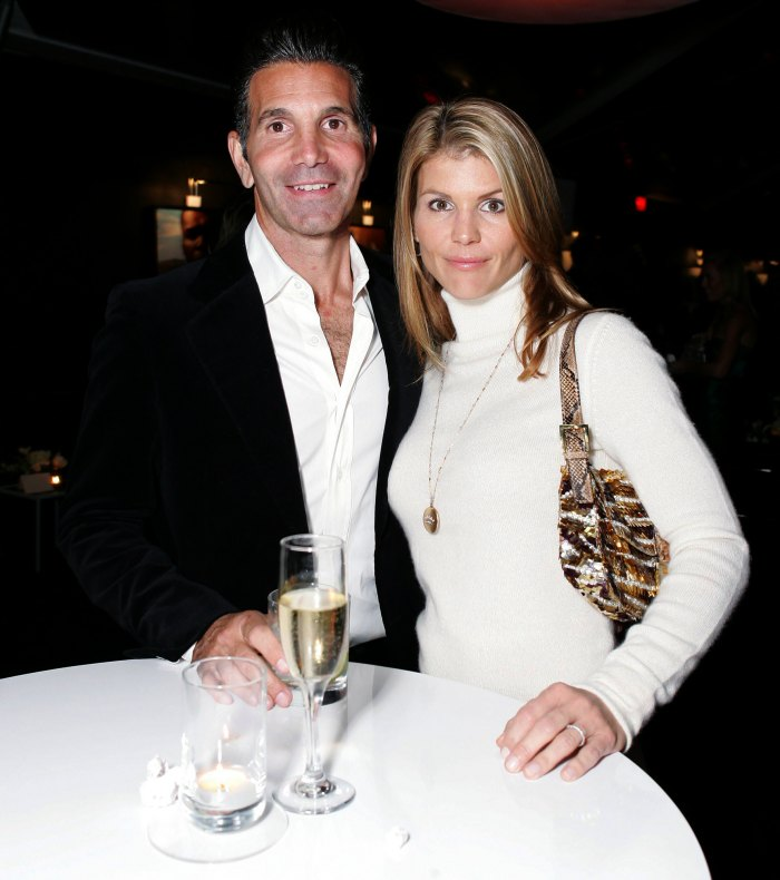 Lori Loughlin and Mossimo Giannulli Ask Permission to Vacation in Mexico While on Probation