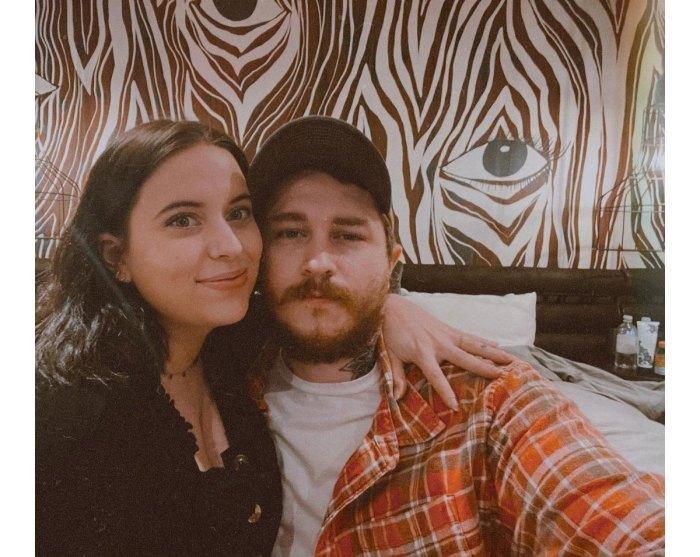 Miley Cyrus Irmão Braison Cyrus dá as boas-vindas ao primeiro filho com a esposa Stella McBride 3