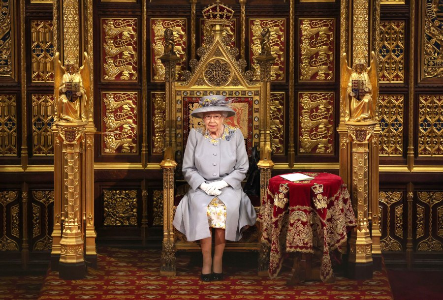 Queen Elizabeth II Makes 1st Official Outing Since Prince Philip Funeral to Open Parliament 4