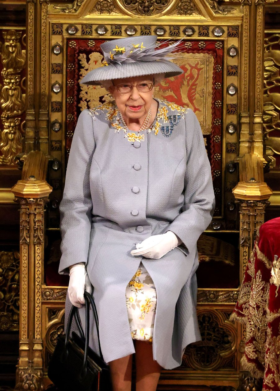 Queen Elizabeth II Makes 1st Official Outing Since Prince Philip Funeral to Open Parliament 5