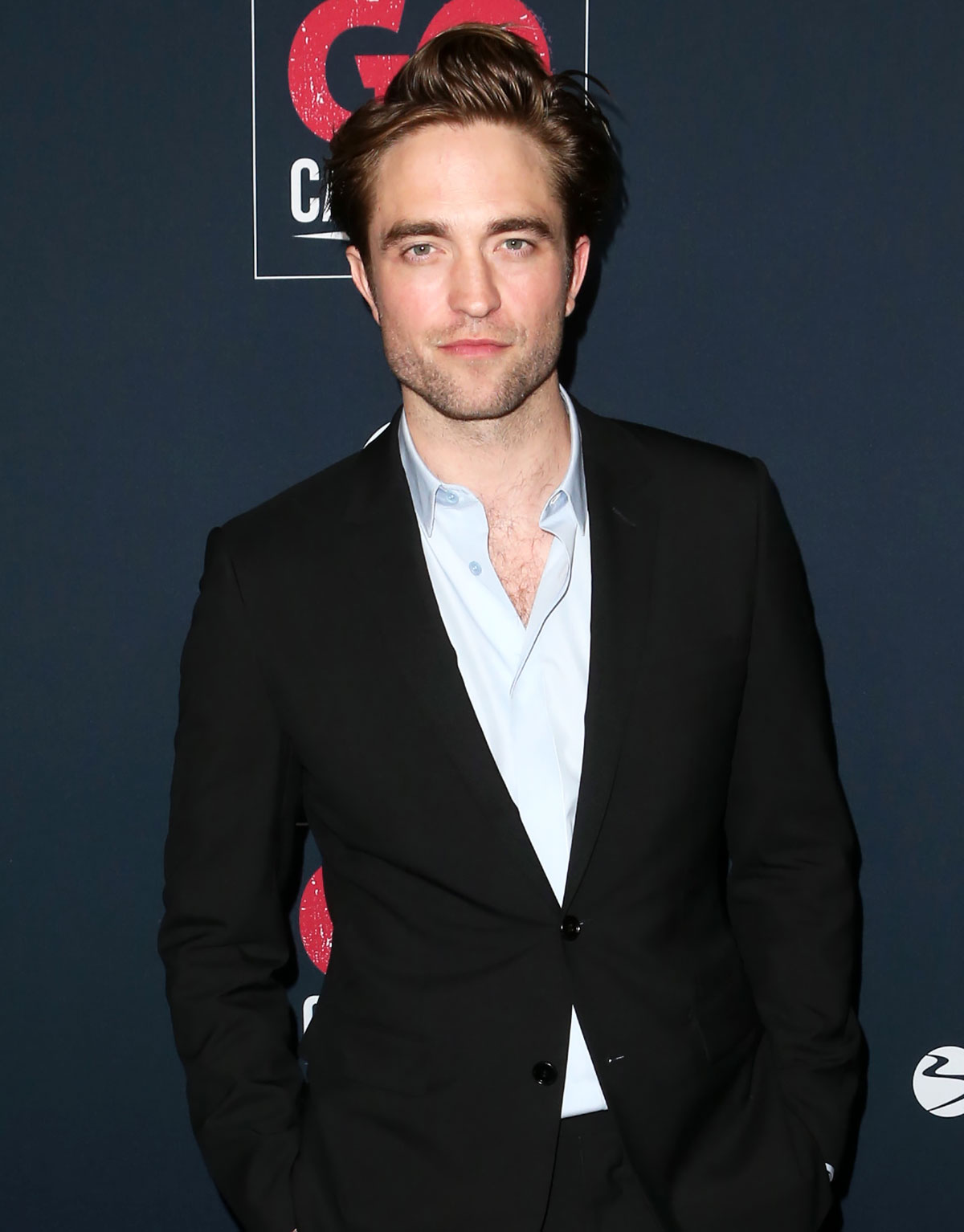 Who does robert pattinson date