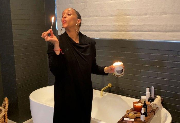Salvia ardiente y baños de burbujas!  La rutina nocturna de 11 pasos de Tia Mowry