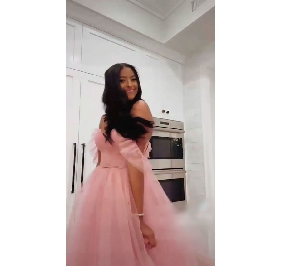Vanessa Bryant Daughter Natalia Poses for Prom Pictures in Pink Dress 4