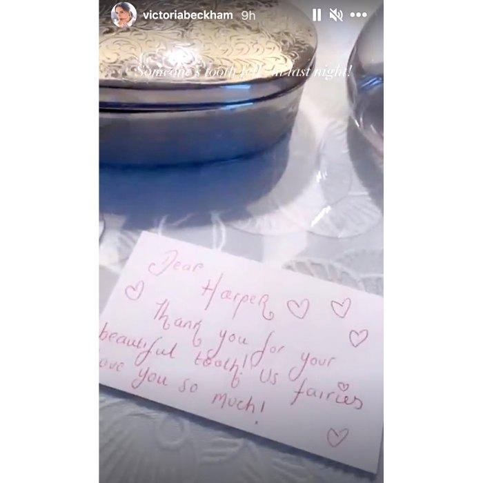 Victoria Beckham se pregunta qué debería hacer con el 'cubo completo' de los dientes de leche de sus hijos