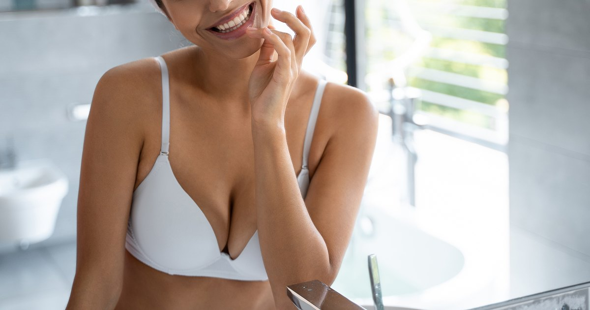 Getting Comfy: This No. 1 Bestselling Minimizer Bra Has So Many Reviews.jpg