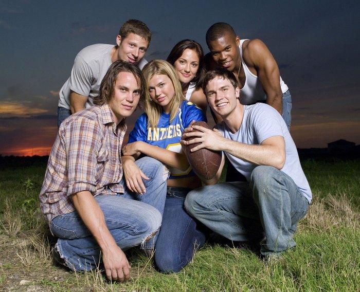 Friday Night Lights Cast Zach Gilford, Minka Kelly, Gaius Charles, Taylor Kitsch, Adrianne Palicki, Scott Porter