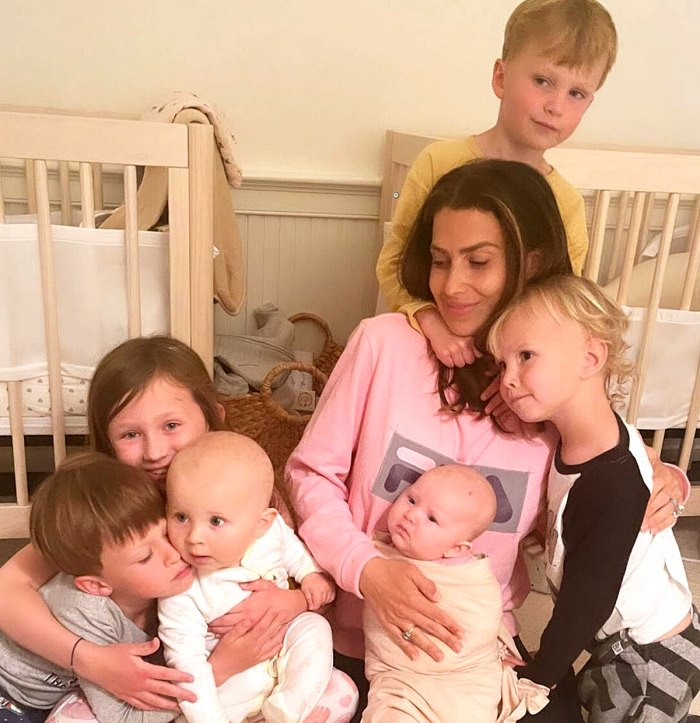 Hilaria Baldwin bromea sobre la expansión de la familia después de la llegada del sexto hijo