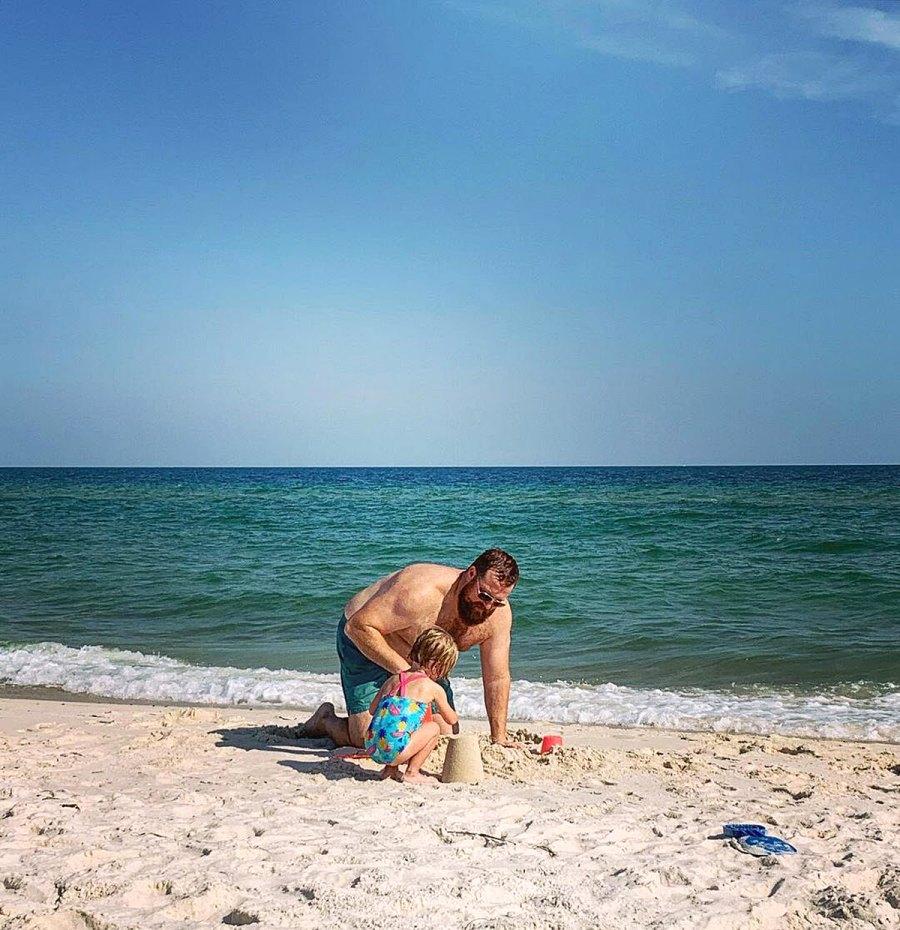 Beach Brood Home Town Erin Napier Ben Napier Family Album With Daughter