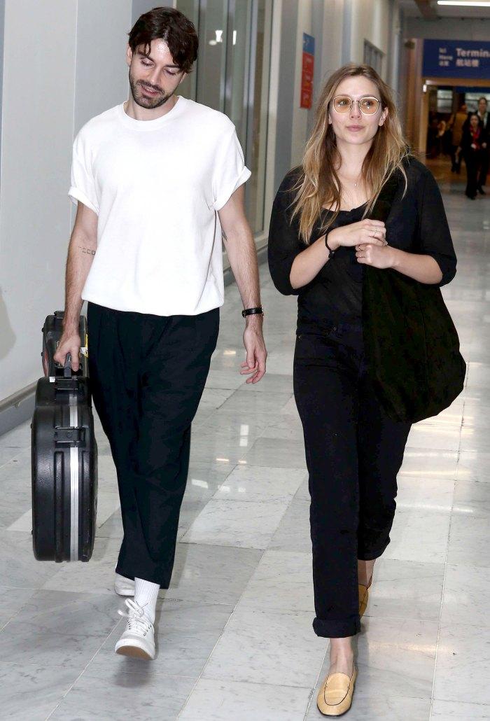 Its Official Elizabeth Olsen Musician Robbie Arnett Are Married