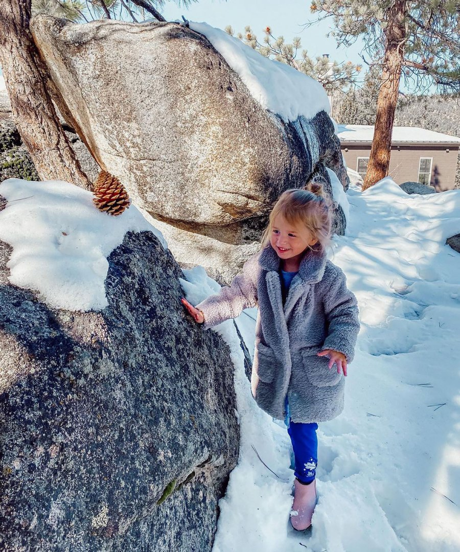Inside Jade Roper and Tanner Tolbert's Cabin Build for Family of 5: Photos