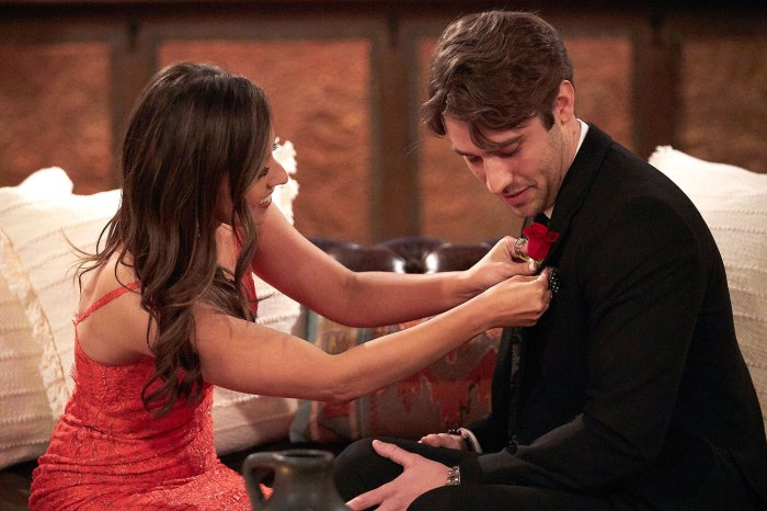 Katie Thurston deu a Greg a primeira impressão Rose sobre Connor B 2