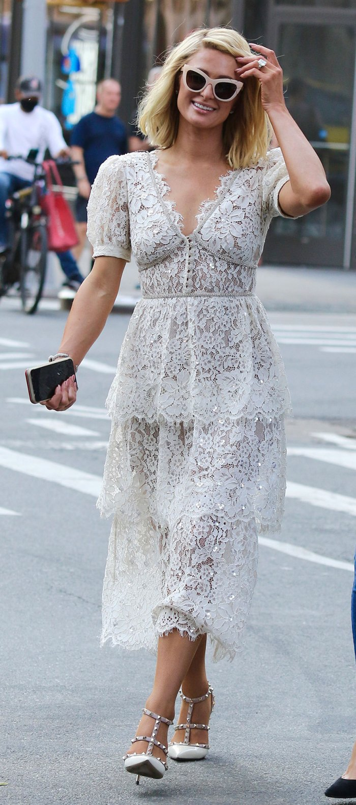 Paris-Hilton-Vestido-Look-001