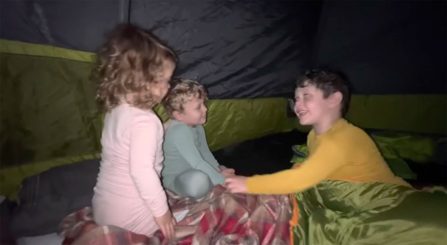 Pregnant Jessa Duggar Camps With Family Amid Counting On Cancellation 09