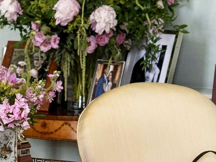 La reina Isabel tiene una rara foto del príncipe Harry Meghan Markle en el palacio