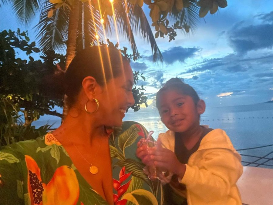 Vanessa Bryant and Daughters Vacation in Jamaica With Late Kobe Bryant Family 6