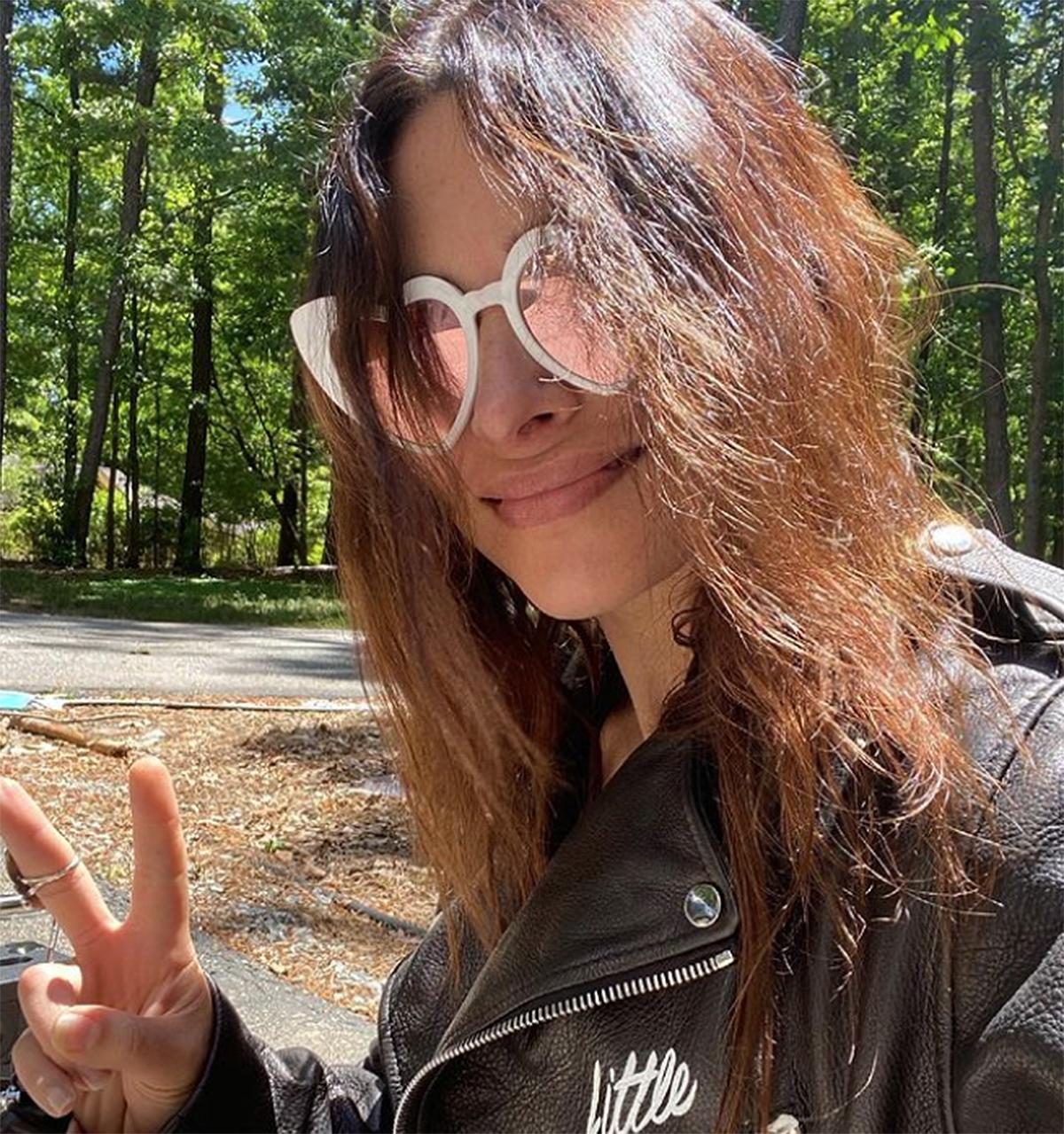 sarah-shahi-heart-sunglasses