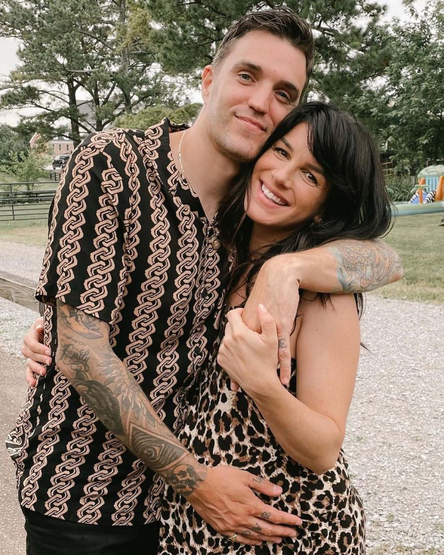 90210s Shenae Grimes Beech Gives Birth Welcomes 2nd Child With Husband Josh Beech