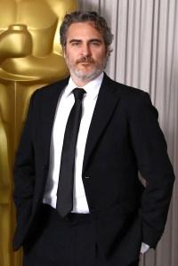 A Major Transformation Joaquin Phoenix Is Unrecognizable On Movie Set
