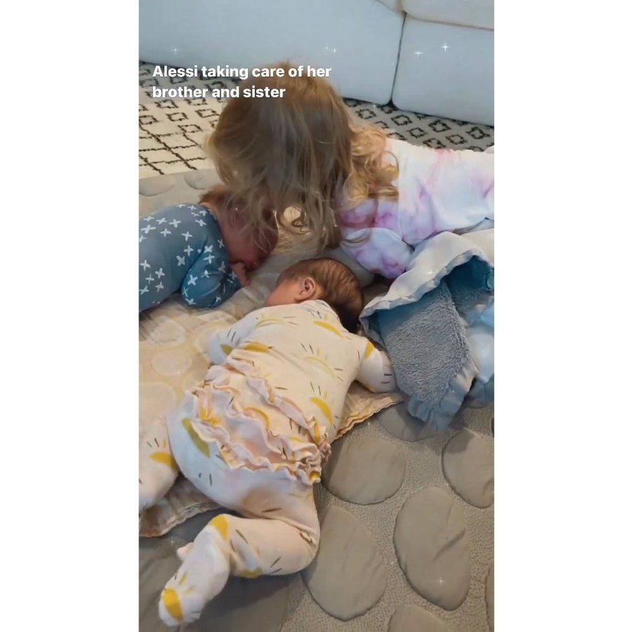 Bachelor Lauren Burnham Is Hospitalized Amid Mastitis Struggles 6