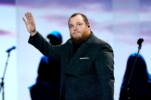 Country Singer Luke Combs Pays for Funerals of 3 Fans Who Died at Michigan Festival