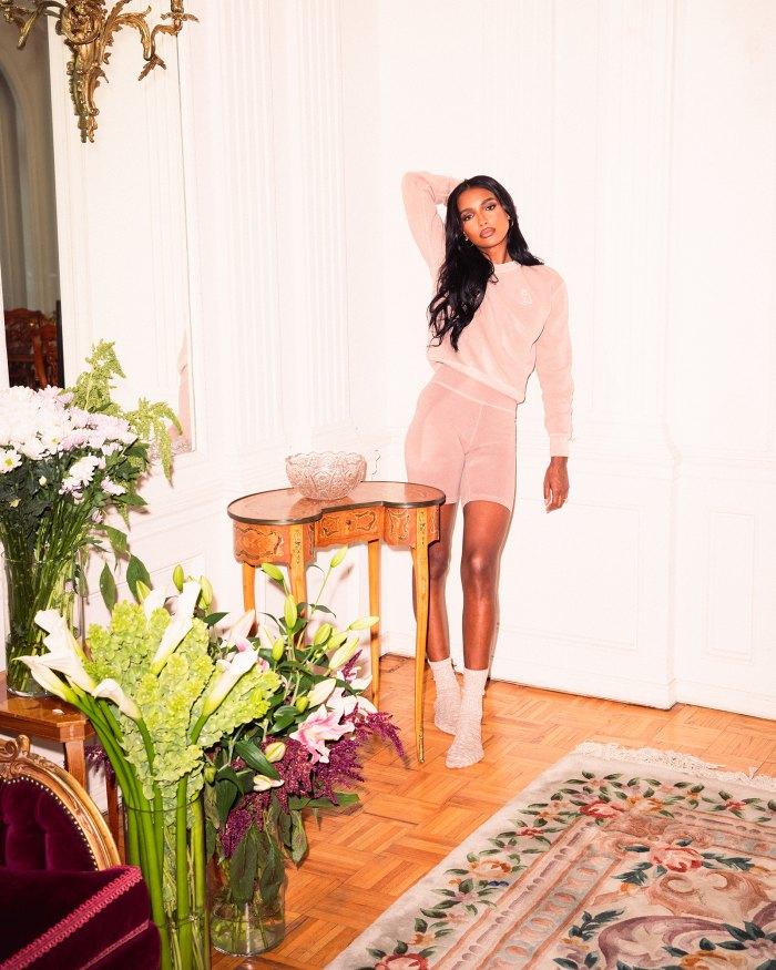 La caída de OVO de Drake con Jasmine Tookes tiene la ropa de salón de verano perfecta: fotos