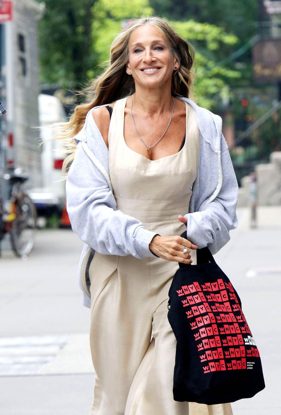 Feature Fabulous Fashion Sarah Jessica Parker Wears on And Just Like That