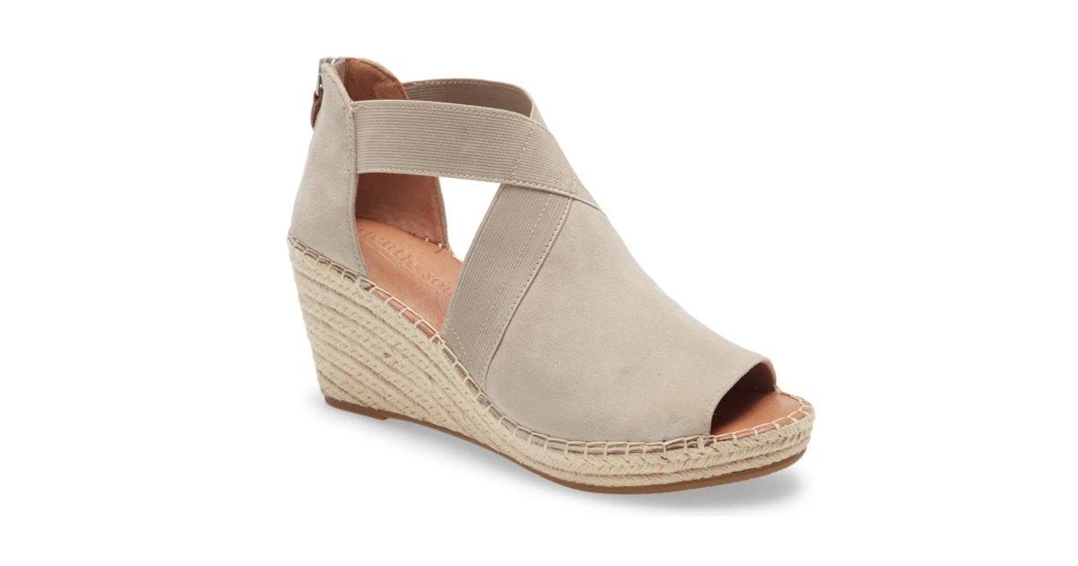 These Seriously Comfy Wedges Are 40% Off in the Nordstrom Anniversary Sale.jpg