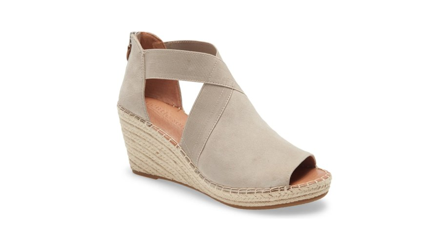 Gentle Souls by Kenneth Cole Signature Colleen Wedge Sandal
