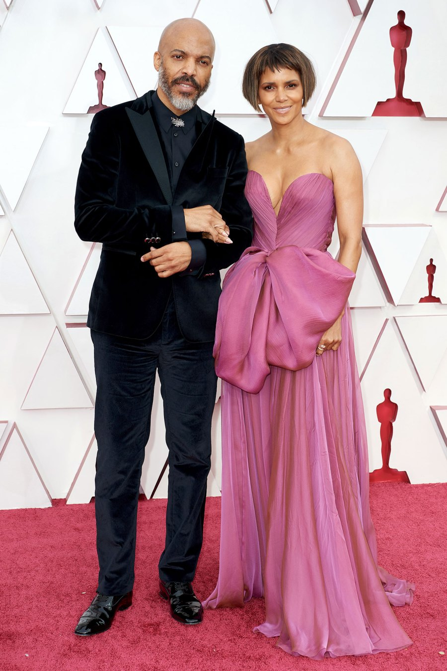 Halle Berry Boyfriend Van Hunt 5 Things to Know