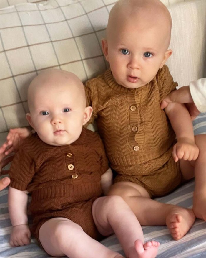 Hilaria Baldwin bromea que Alex se pone celosa cuando amamanta a sus bebés