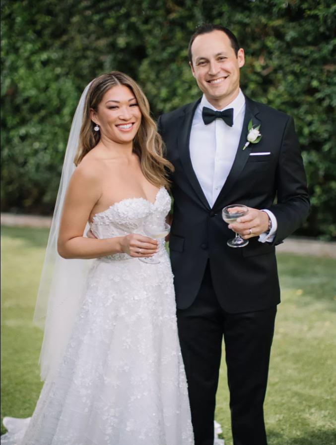 ¡Jenna Ushkowitz y David Stanley están casados!  La alumna de 'Glee' está 'eufórica y agradecida' el día de su boda