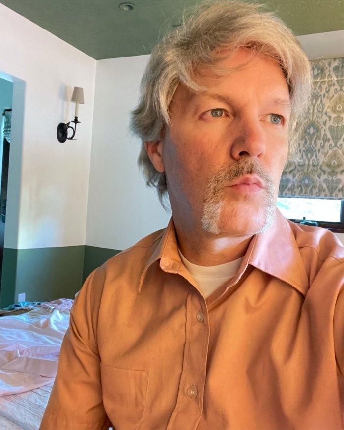 Limp Bizkit Fred Durst es casi irreconocible con bigote en New Selfie 3