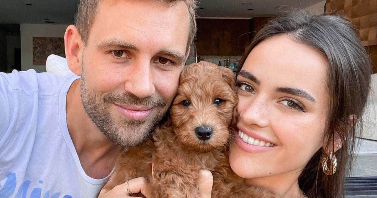 Nick Viall's Sweetest Pics With Girlfriend Natalie Joy: A Complete Relationship Timeline.jpg
