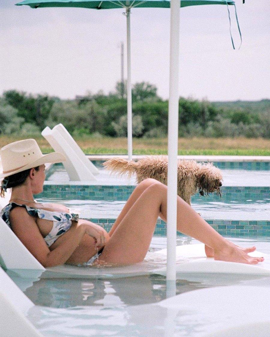 Pool Pic Pregnant Kaitlynn Carter Baby Bump Album Ahead 1st Child