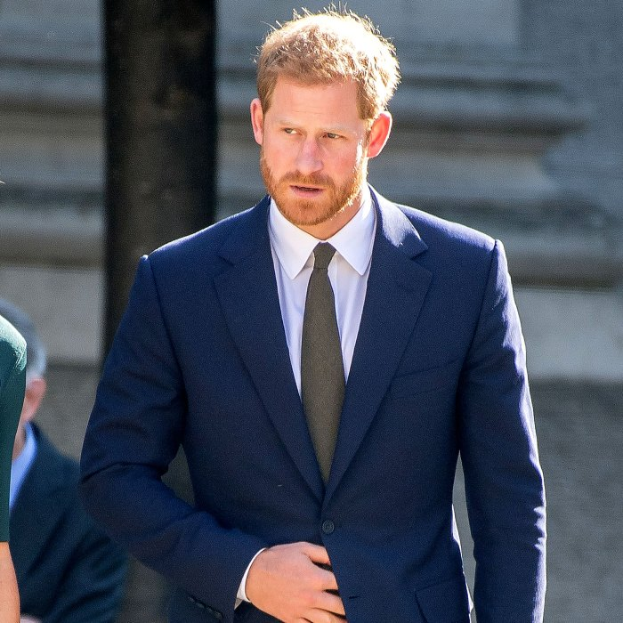 El príncipe Harry niega haber firmado un acuerdo de cuatro libros, dice un portavoz