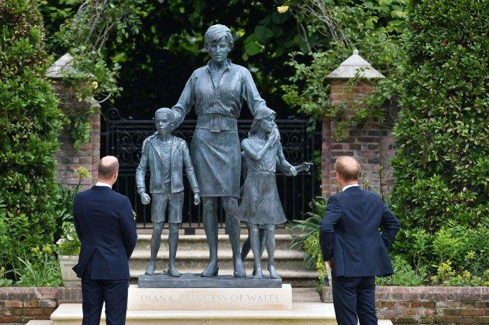 Prince William and Prince Harry Reunite Princess Diana Statue Unveiling Amid Feud 8
