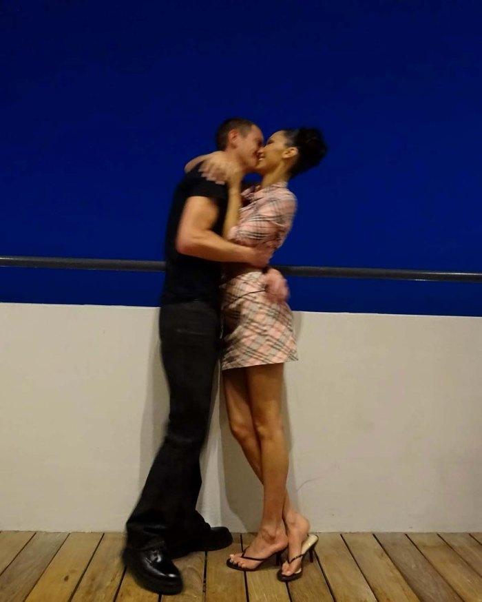 Pucker Up Bella Hadid aparentemente confirma nuevo romance con Marc Kalman