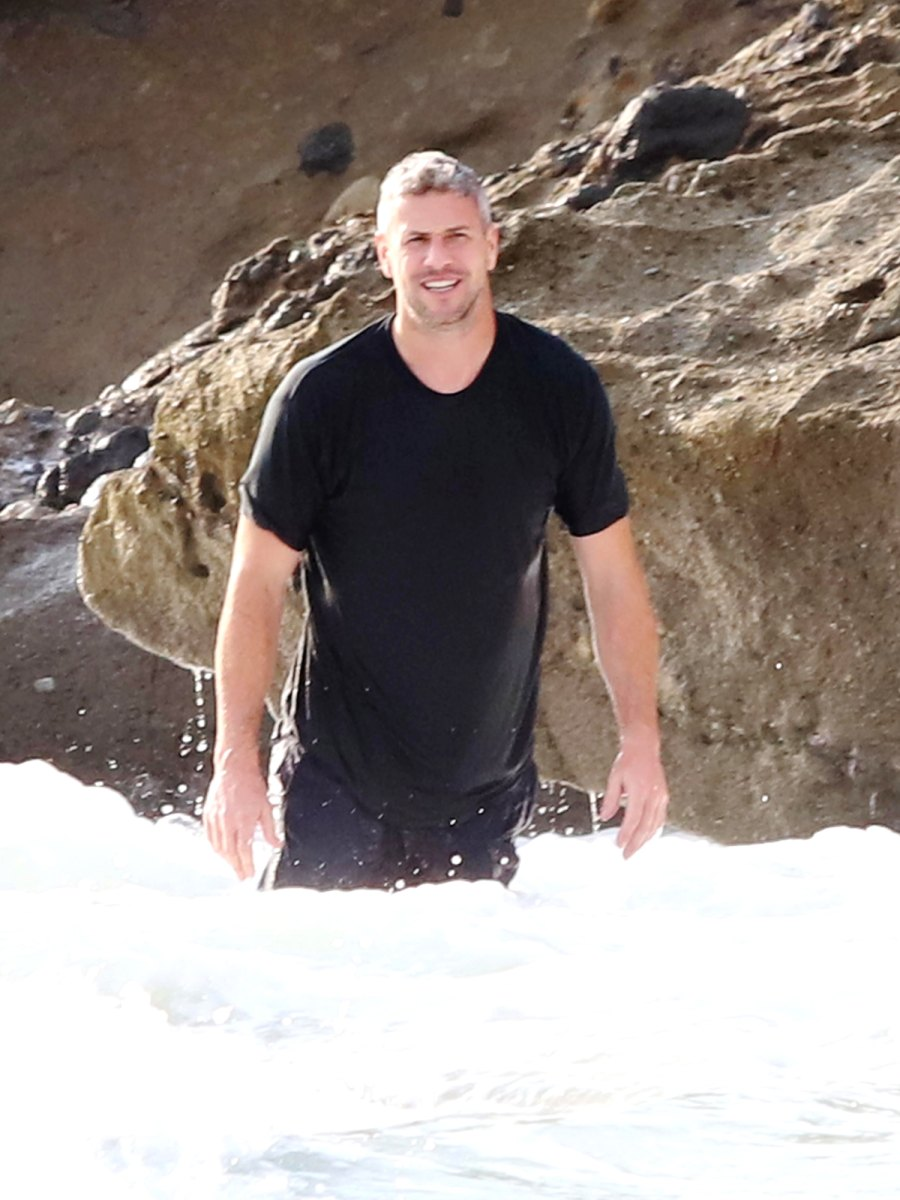 Renee Zellweger and Ant Anstead Share Passionate Kiss on The Beach While Playing With Hudson