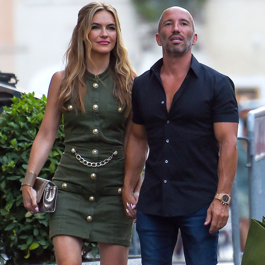 Selling Sunset's Chrishell Stause and Jason Oppenheim Makeout in Italy: Photos