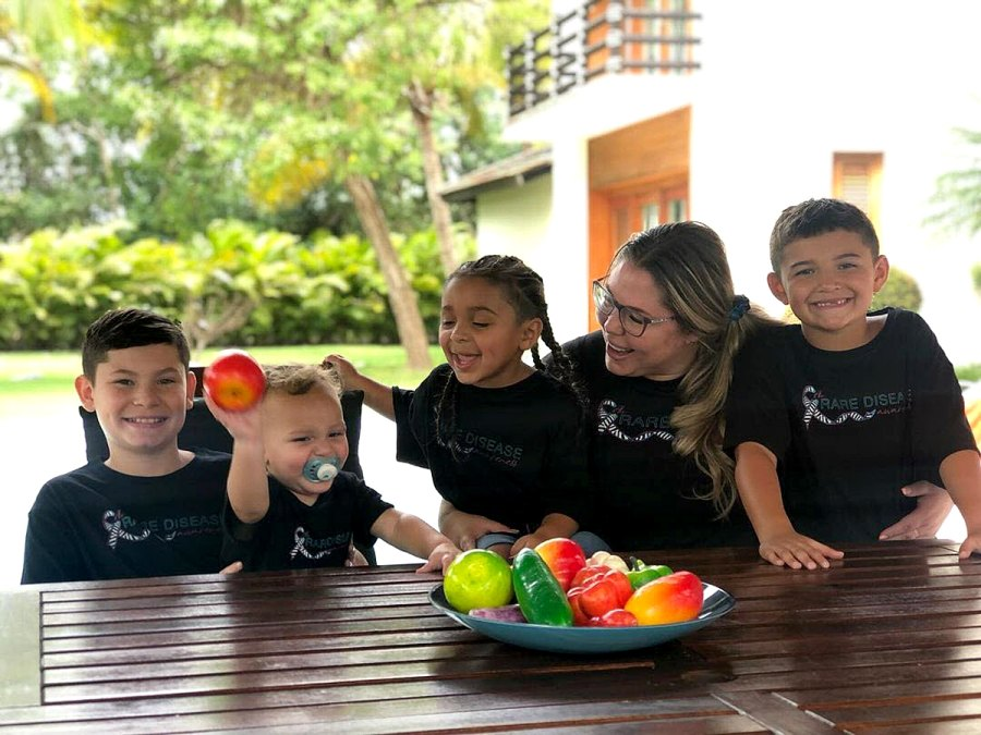 Fun With Fruit Teen Mom 2 Kailyn Lowry Takes Dominican Republic Vacation With 4 Sons