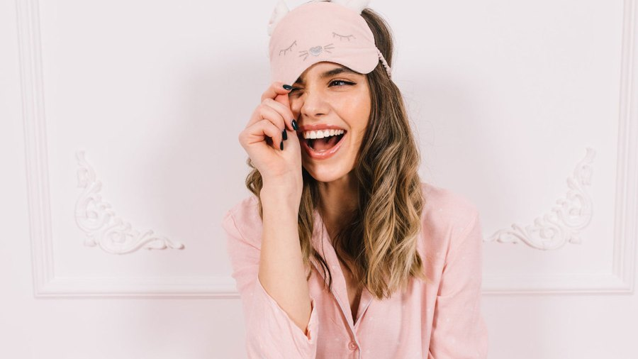 This-Pain-Relieving-Weighted-Sleep-Eye-Mask-Helps-Dry-Eyes-Makes-You-Wake-Up-Feeling-Like-You-Slept-Month
