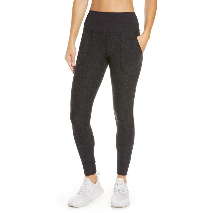 nordstrom-anniversary-sale-zella-leggings-black